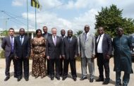 L'Ambassadeur des Etats-Unis au Togo en visite à la HAAC