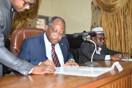 La HAAC rencontre les responsables des médias publics et signe le code de bonne conduite du journaliste avec les organisations de presse